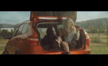 Музыка из рекламы Лада Веста СВ Кросс называется Rupert Pope & Giles Palmer — Chasing Stars