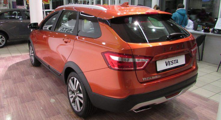 Лада Веста СВ Кросс в кредит — как купить, программы Первый автомобиль и Семейный автомобиль