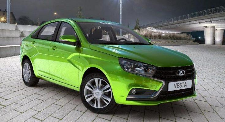 Лада Веста стала самой продаваемой в России машиной с механикой