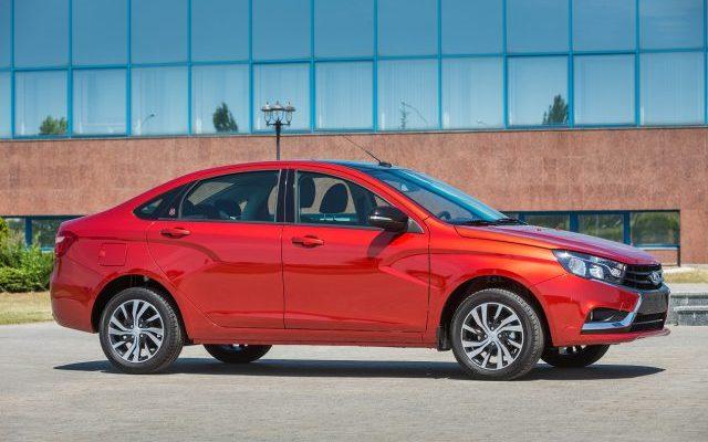 У седана Lada Vesta расширили пакет опций. Теперь и Prestige за 46 000 рублей.