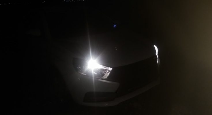 Как светят фары Лада Веста СВ в ночное время суток? (ВИДЕО)