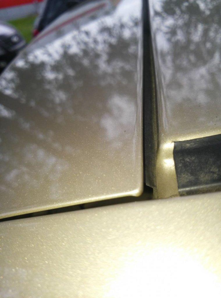 Лада Веста СВ: устраняем снег между крышкой багажника и кузовом