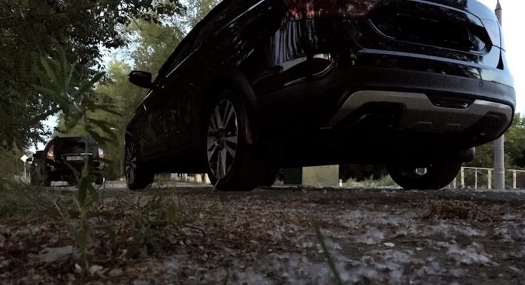 Отзыв Lada Vesta SW CROSS черная 1.6 л на механике за первые полгода владения