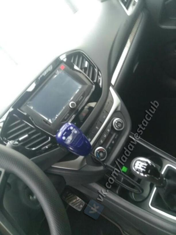Полиция на Спорте: первые шпионские фото полицейской Lada Vesta Sport